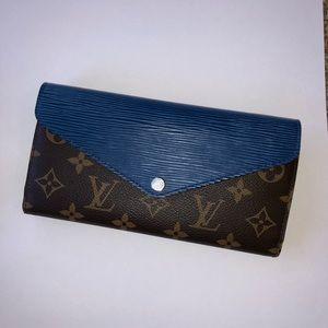 Louis Vuitton Wallet Authentic (rare)